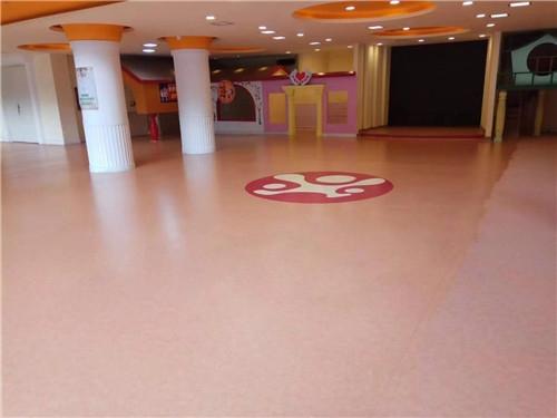 渝中区实验幼儿园洁福地胶铺装