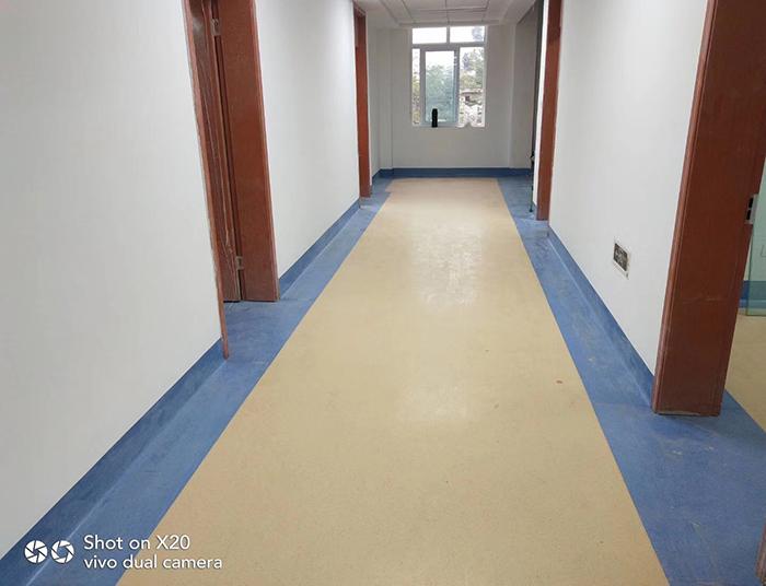 养老院防滑静音地板胶