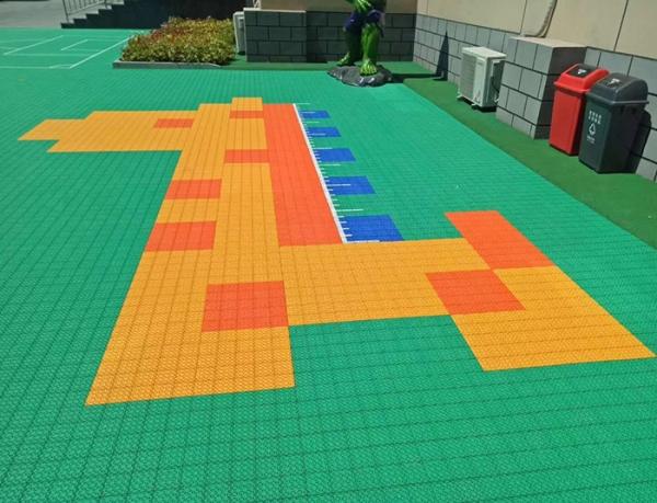 幼儿园室外拼装地板