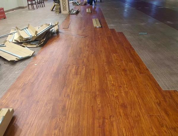 pvc石塑地板安装施工