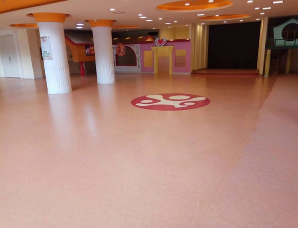 幼儿园环保防滑地板